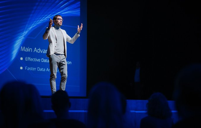 Präsentation während einer internationalen Veranstaltung